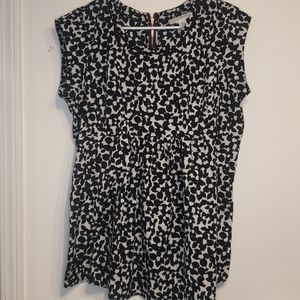 Black and white floral dressy maternity top size L